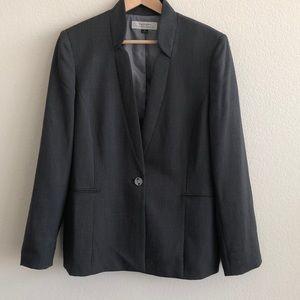 EUC Tahari Charcoal Gray Pinstripe Blazer SZ 16